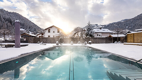 Pool im Winter, Hotel Riederhof